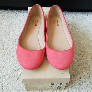 Coral colored reptile-feel ballet flats. Size 7.